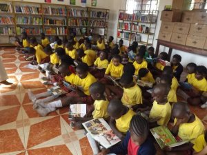 2014_grace_primary_students_read_web