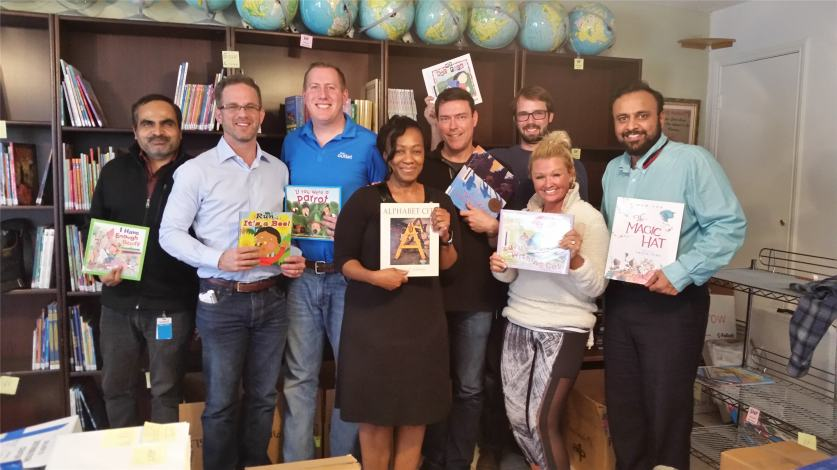 Global Dell Outlet volunteers at Libraries of Love